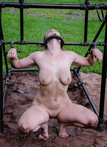 hard-porn-bella-rossi-restrained-outdoors
